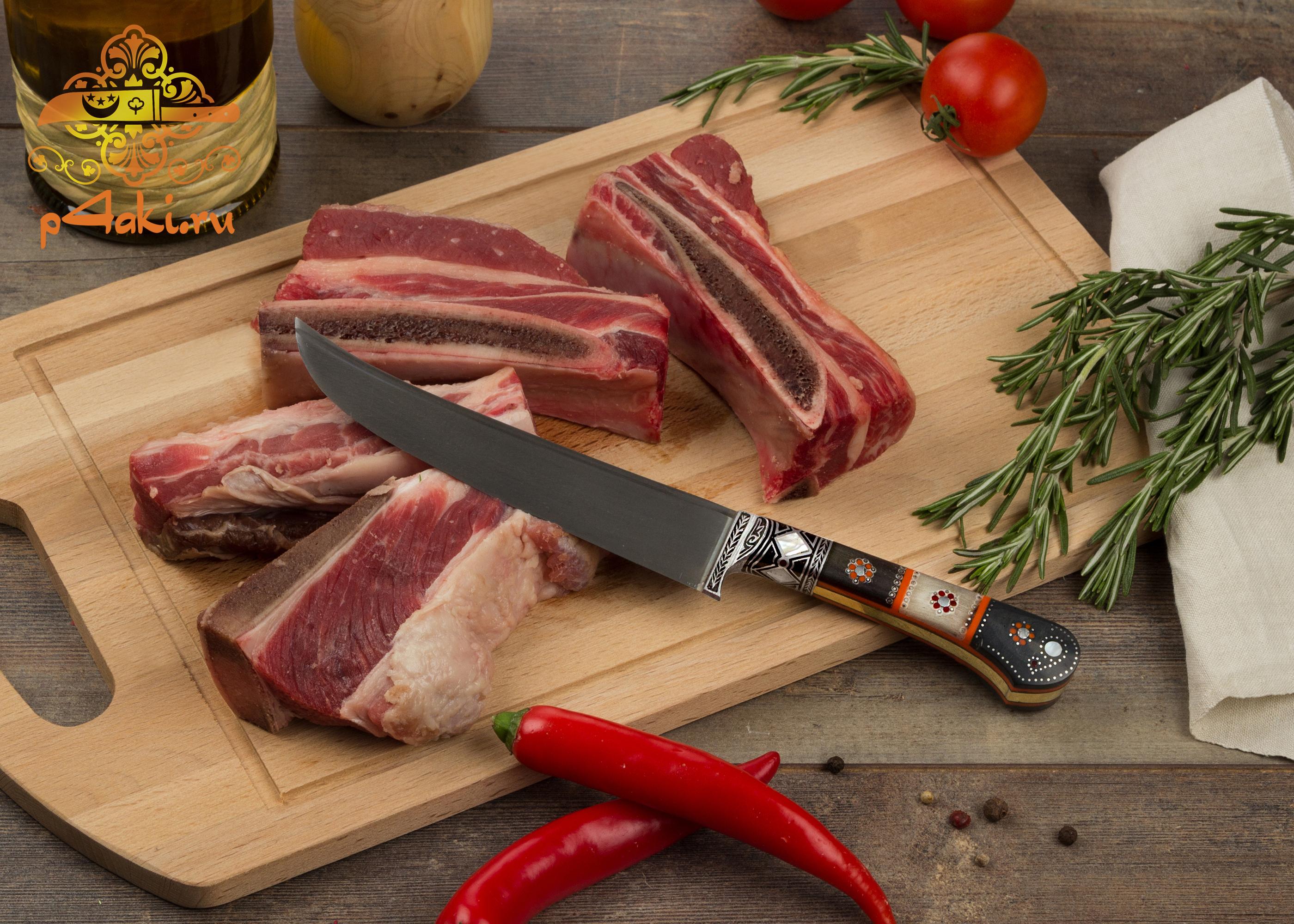 нож Рангли, (монтаж накладки «ерма даста» — рукоятка из рога архара.) со вставками перламутра (садаф) и чермяхи, «гюльбанд» и «бринч» — олово, латунь