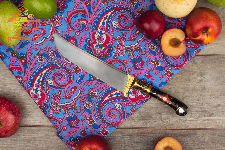 """Узбекский нож пчак """"Бир-коз"""", (монтаж накладки «ерма даста» — рукоятка из эбонита.) со вставками перламутра (садаф) и чермяхи, «гюльбанд» и «бринч» — латунь"""